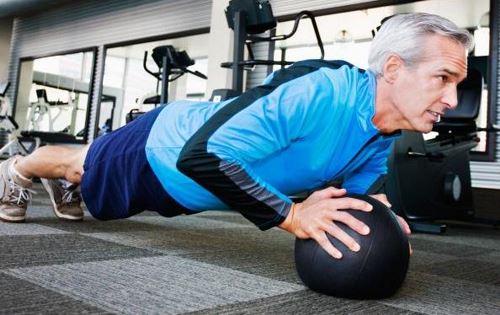 كيف تحافظ على صحتك فى سن الاربعين جميع الطرق والوصفات التى تساعدك على الحفاظ على شبابك وانت فى سن الاربعين والحفاظ على نفسك من الشخوخة