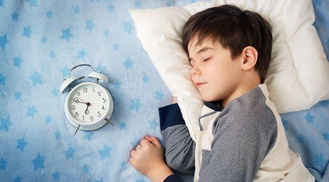 فوائد النوم المبكر والاستيقاظ المبكر واضرار السهر