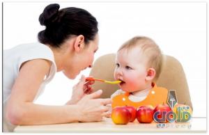 دور الأم في المنزل