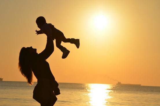 موضوع تعبير عن واجبنا نحو الأم