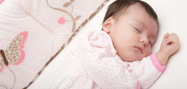طريقة نوم الطفل