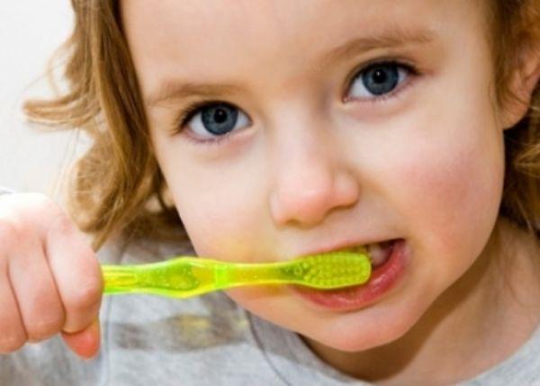 علاج تسوس الاسنان اللبنية عند الأطفال