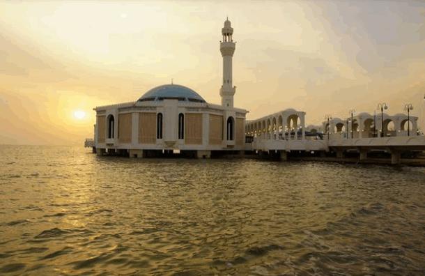 اماكن سياحية في جدة للعوائل - المسجد العائم