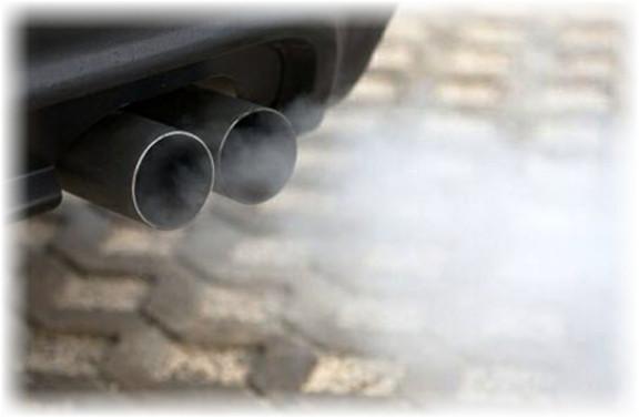 كيفية التخلص من رائحة دخان العادم داخل السيارة