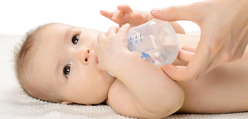 ما هى اعراض الجفاف عند الرضع