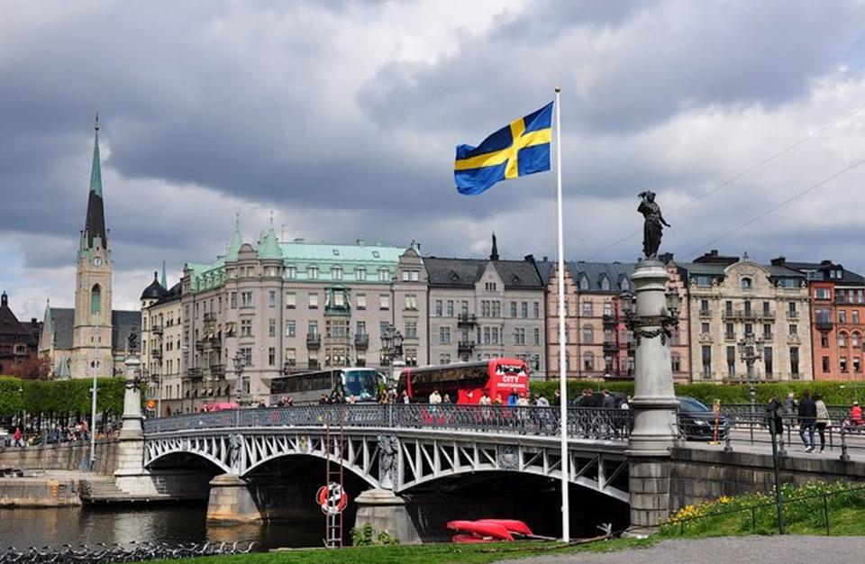 الهجرة الى السويد 2017