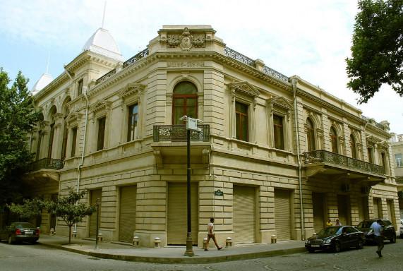 السياحة في اذربيجان المسافرون العرب - متحف تاريخ أذربيجان