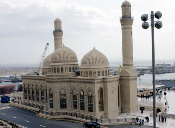 السياحة في اذربيجان المسافرون العرب - مسجد باب الهيبة