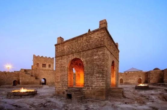 السياحة في اذربيجان المسافرون العرب - معبد النار آتشكاه